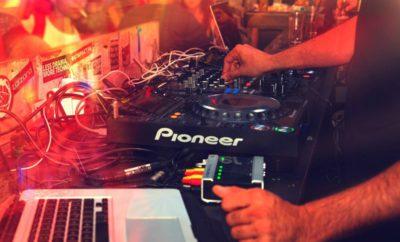 Comment choisir un DJ de mariage